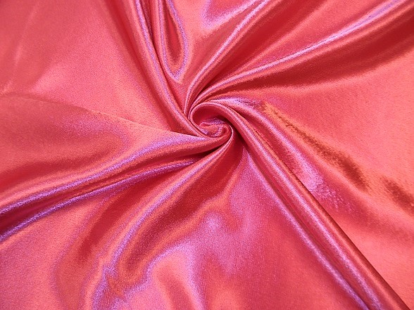 pink szatén