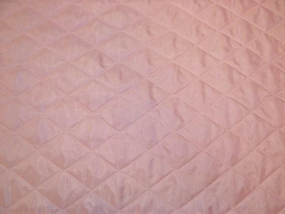 rózsaszín steppelt bélés